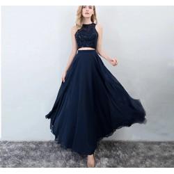 Falda con top azul marino 2024